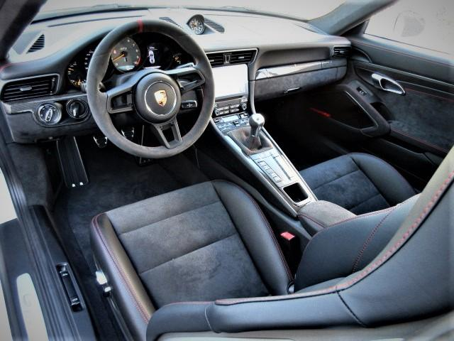 911GT3 6速マニュアル ディーラー車 左H(3枚目)
