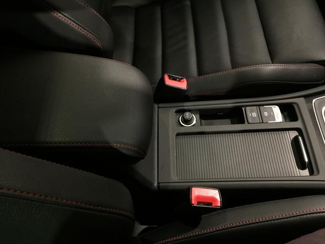 フォルクスワーゲン VW ゴルフGTI ベースグレード レザーシートパッケージ サンルーフ
