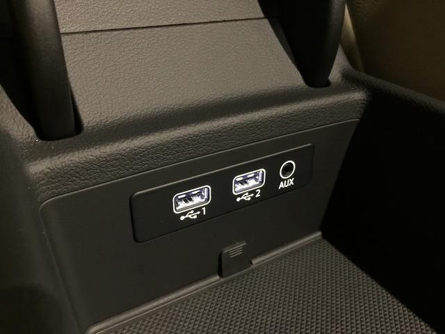 アウディ アウディ A4アバント 2.0TFSIクワトロ レザーパッケージ