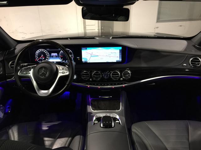 S400d 4マチック AMGライン AMGラインプラス ベーシックPKG レザーエクスクルーシブPKG パノラミックスライディングルーフ 黒革 4MATIC(3枚目)