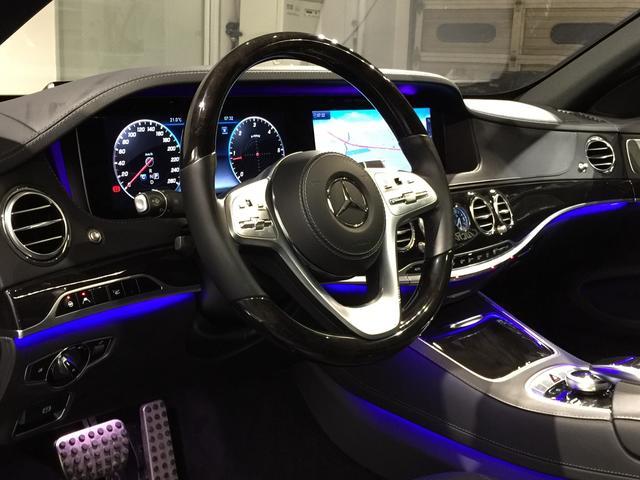 S400d 4マチック AMGライン AMGラインプラス ベーシックPKG レザーエクスクルーシブPKG パノラミックスライディングルーフ 黒革 4MATIC(10枚目)