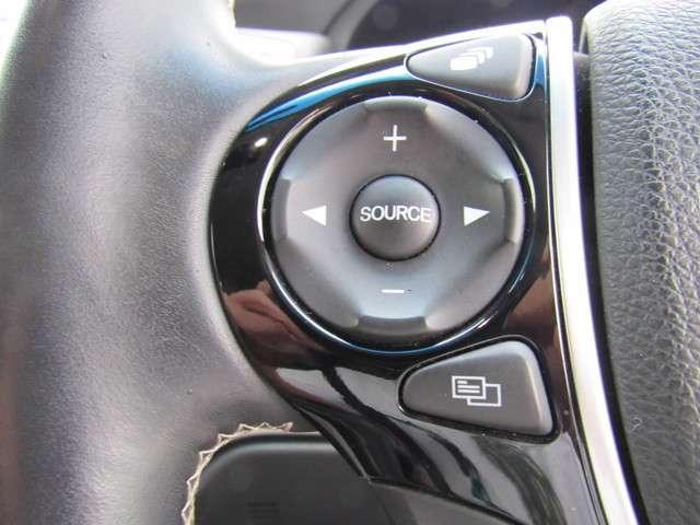 アブソルート AW LEDライト ETC クルーズコントロール スマートキー 横滑り防止装置 アイドリングストップ キーレス シティブレーキアシスト 盗難防止装置 Bモニター 3列シート(10枚目)