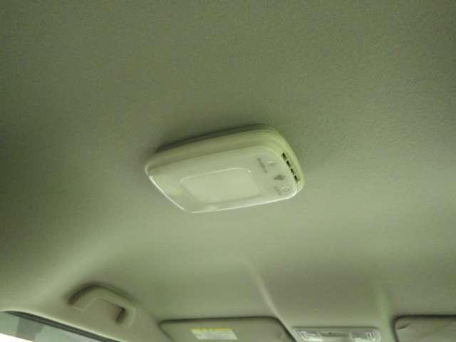 G・Lパッケージ プラズマクラスターLEDルーフ照明 CD/USBコンポ オートリトラミラー ドアバイザー フロアカーペットマット 照明付オーディオリモートコントロールスイッチ フルオートエアコン(12枚目)