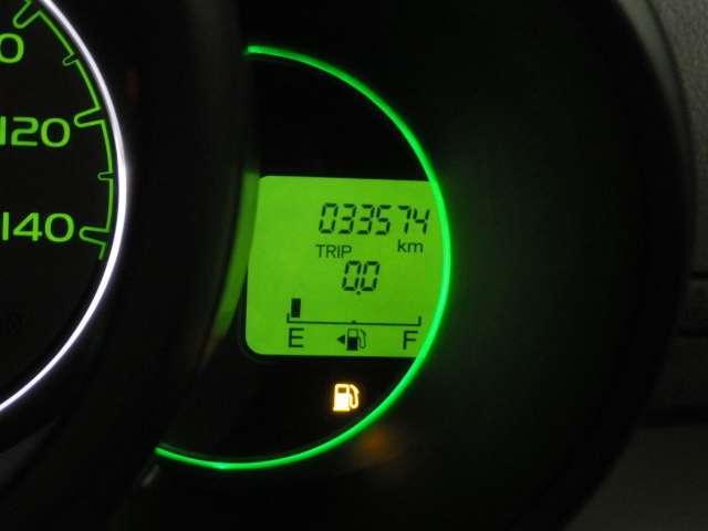 G・Lパッケージ プラズマクラスターLEDルーフ照明 CD/USBコンポ オートリトラミラー ドアバイザー フロアカーペットマット 照明付オーディオリモートコントロールスイッチ フルオートエアコン(17枚目)