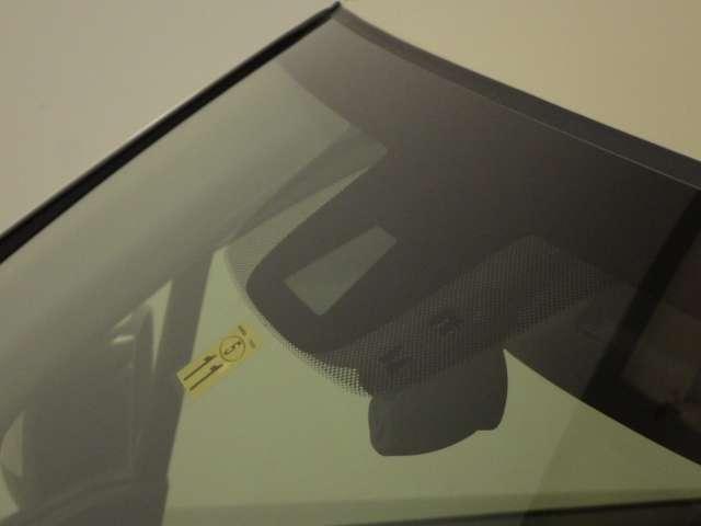 Lホンダセンシング 8型プレミアムインターナビ リモコンエンジンスターター 前後ドライブレコーダー ドアバイザー LEDイルミ付サイドステップガーニッシュ 充電用USBジャック 360°スーパーUV・IRカットパッケージ(3枚目)
