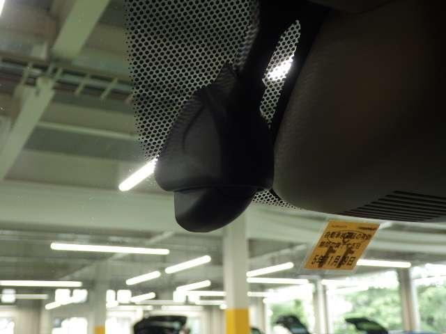 Lホンダセンシング 8型プレミアムインターナビ リモコンエンジンスターター 前後ドライブレコーダー ドアバイザー LEDイルミ付サイドステップガーニッシュ 充電用USBジャック 360°スーパーUV・IRカットパッケージ(16枚目)