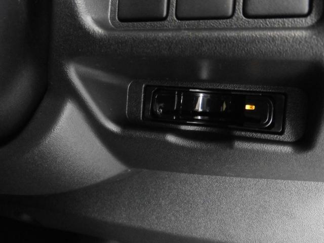 トヨタ ハイエースワゴン GL4WDツインナビパッケージ17AWローダウン