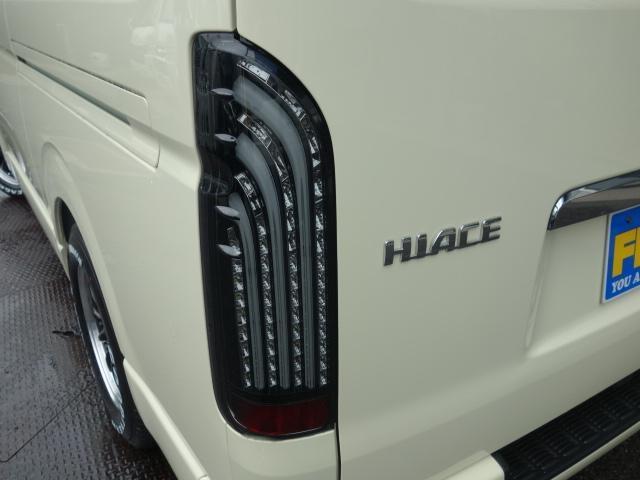 トヨタ ハイエースバン 新車スーパーGL床張りベットファミリーパッケージ完成