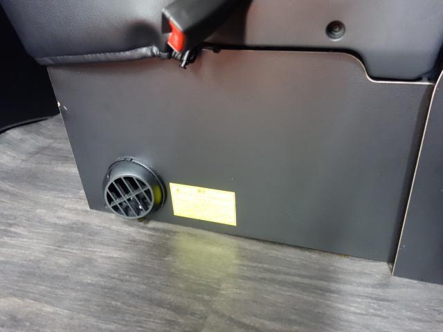 GL アレンジR1シートツインナビFFヒーターサブバッテリー装備(12枚目)