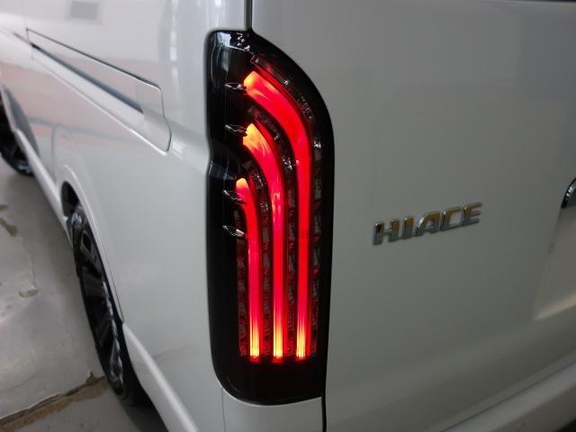 GL FLEXオリジナルシートアレンジAS施工オリジナル17インチアルミ1.5インチローダウンオリジナルフロントスポイラーオリジナルオーバーフェンダーパイオニア製SDナビフリップダウンモニター装着済み(4枚目)