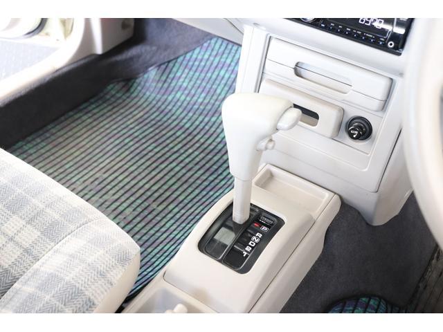 タイプII背面タイヤカバー付A/T車ルーフレール内装ベージュ(14枚目)