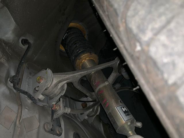 HKS製車高調整式サスペンション装着致しております。