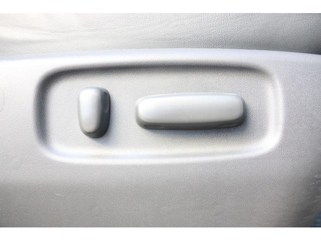 アエラスプレミアムエディション 純正8型ナビ 両側パワスラ(4枚目)