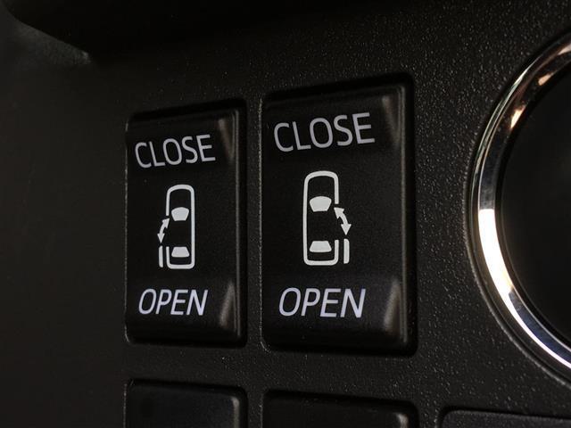 【両側パワースライドドア】小さなお子様でもボタン一つで楽々乗り降り♪ 駐車場で両手に荷物を抱えている時でもボタンを押せば自動で開閉、ご家族でのお買い物にもとっても便利な人気装備です♪
