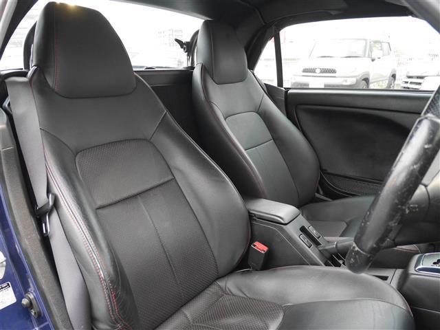 【 運転席 / 助手席 】とても綺麗な一台となっております。