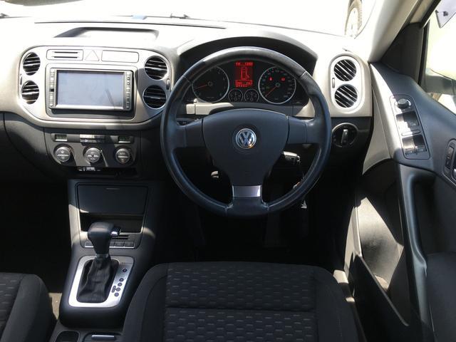 トラック&フィールド 4WD HDDナビ フルセグTV バックカメラ ETC MTモード付AT オートライト HIDライト フォグライト 純正アルミホイール キーレス スペアキー(7枚目)