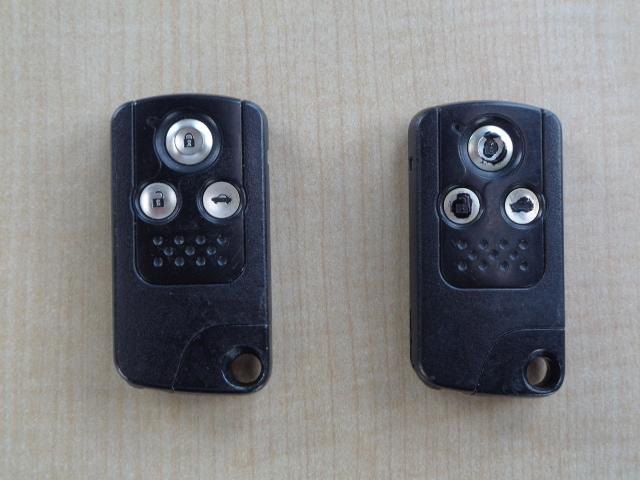 35TL サンルーフ モデューロフルエアロ ブラックレザーシート HDDインターナビ ワンセグTV バックカメラ ビルトインETC スマートキー クルーズコントロール 電動リヤサンシェード 純正17インチAW(40枚目)