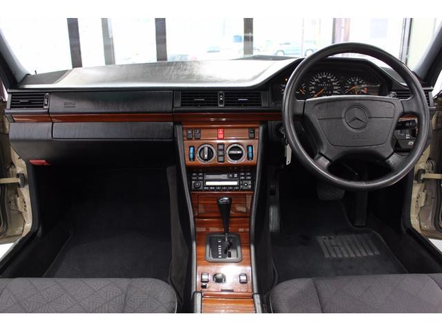 メルセデス・ベンツ M・ベンツ E280 NEWペイントボディ サンルーフ ワンオーナー