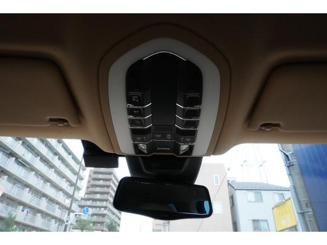「ポルシェ」「ポルシェ マカン」「SUV・クロカン」「東京都」の中古車72