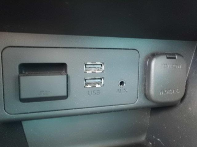 13S 禁煙車 マツダコネクトナビ 衝突軽減ブレーキ アドバンスキー アイドリングストップ Bluetooth AUX SPORTモード ステアリングスイッチ LEDヘッドライト USB接続(6枚目)