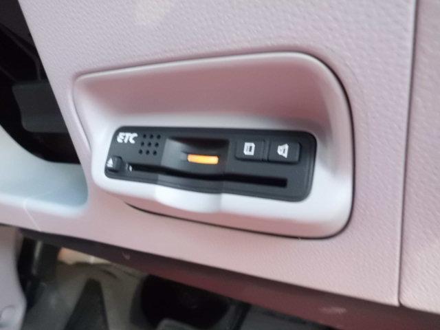 β 純HDDナビ 地デジ バックカメラ パドルシフト ビルトインETC 純アルミ DVDビデオ再生 ミュージックサーバー ステアリングスイッチ オートエアコン スペアキー USB接続 タイミングチェーン式(8枚目)