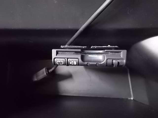 お手持ちのETCカードを差し込むだけで高速道路の料金所をノンストップで通過できます♪とても便利で快適です。
