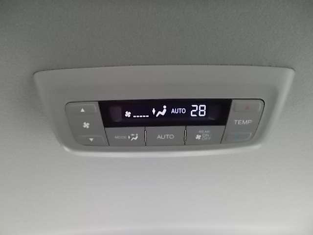 後ろの席での温度調整が可能です。