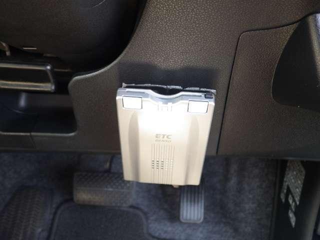 【ETC】お手持ちのETCカードを差し込むだけで高速道路の料金所をノンストップで通過できます♪とても便利で快適です。