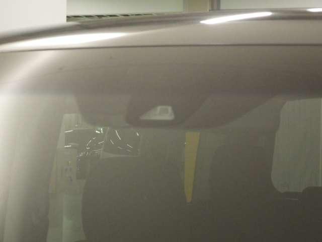 スパーダ ホンダセンシング 9inナビ 後席モニタ Wパワスラ LED 1オーナ AW 横滑り防止装置 ナビTV オートエアコン Bカメ 1オーナー 禁煙 LEDライト クルコン キーレス ETC フルセグ メモリーナビ DVD(4枚目)