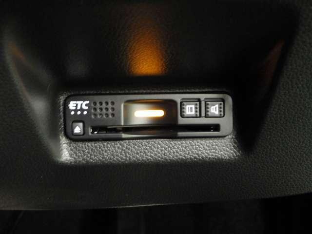 ハイブリッドZ ホンダセンシング 8inナビ 前後Dレコ デモカー 点検パック付 クルコン シートヒータ ナビTV Bカメ フルセグTV 禁煙車 衝突軽減B キーレス メモリナビ ETC AW 1オーナー LEDヘッドライト AAC(9枚目)