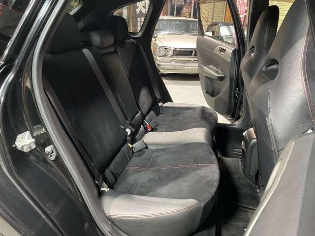 WRX STI Aライン タイプS HKS製車高調/黒ハーフレザーシート/HDDナビ/フルセグTV/BT対応/ETC/パドルシフト/Siドライブ/4WD/スマートキー/プッシュスタート/純正18インチAW/新品サマータイヤ/車検整備付き(19枚目)