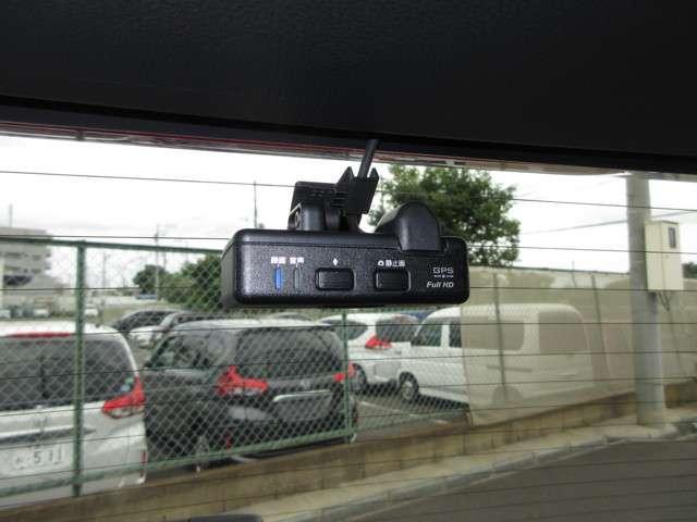 ハイブリッドZ・ホンダセンシング 2年保証付 衝突被害軽減ブレーキ サイド&カーテンエアバッグ ドライブレコーダー ワンオーナー メモリーナビ フルセグTV バックカメラ シートヒーター 純正アルミホイール LEDヘッドライト(13枚目)
