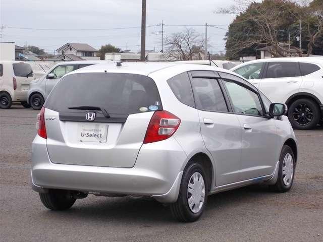 13G Honda認定中古車 ポータブルナビ ワンセグTV CDチューナー キーレスエントリー ドライブレコーダー セキュリティアラーム ワンオーナー車(2枚目)