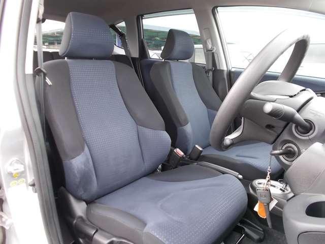 13G Honda認定中古車 ポータブルナビ ワンセグTV CDチューナー キーレスエントリー ドライブレコーダー セキュリティアラーム ワンオーナー車(10枚目)