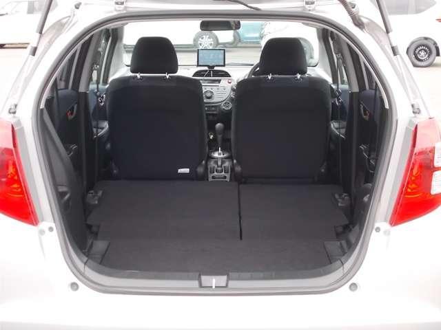 13G Honda認定中古車 ポータブルナビ ワンセグTV CDチューナー キーレスエントリー ドライブレコーダー セキュリティアラーム ワンオーナー車(13枚目)
