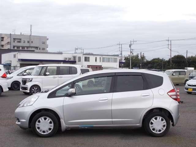 13G Honda認定中古車 ポータブルナビ ワンセグTV CDチューナー キーレスエントリー ドライブレコーダー セキュリティアラーム ワンオーナー車(17枚目)