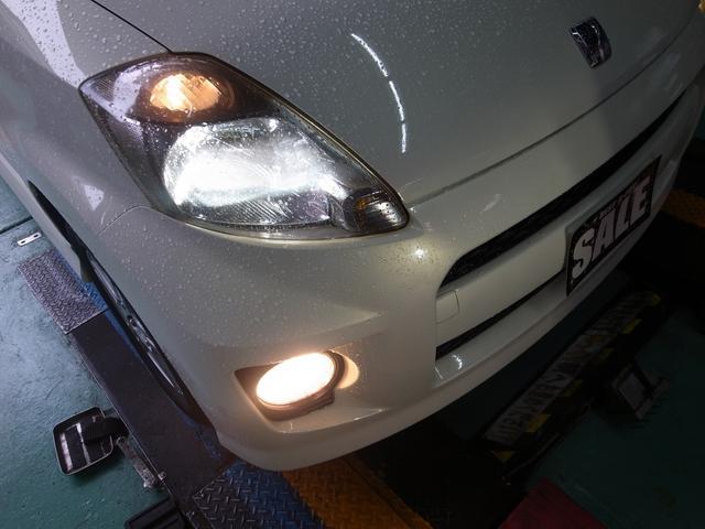 純正HIDライト・フォグライト付きで夜も安心ドライブできます。