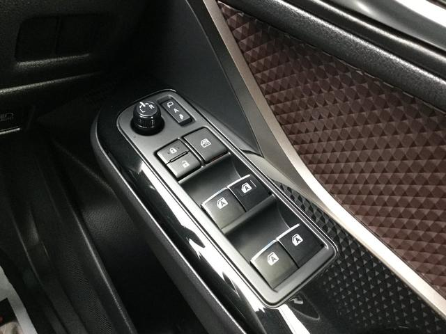 「トヨタ」「C-HR」「SUV・クロカン」「福島県」の中古車18