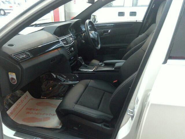 メルセデス・ベンツ Eクラスセダン E250 CGI ブルーエフィシェンシー 右ハンドル