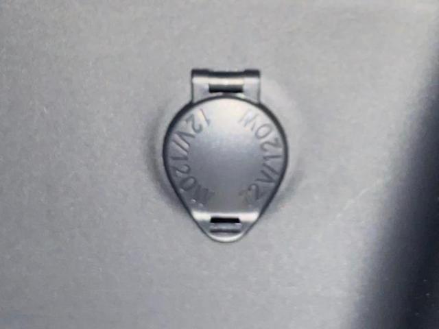 X バックモニター 衝突被害軽減システム バックカメラ 禁煙車 盗難防止装置 オートマチックハイビーム オートライト 修復歴無(17枚目)