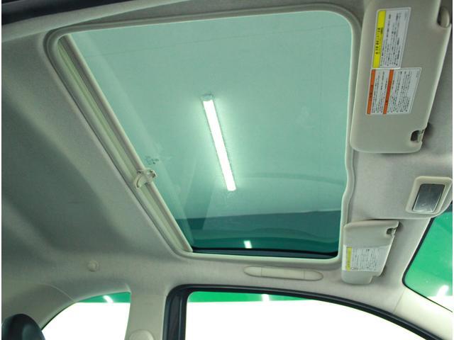 ガラスルーフで開放的なドライブ♪