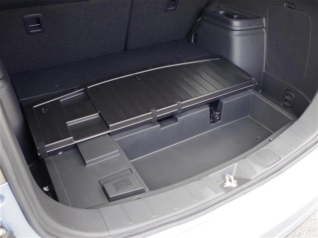 三菱 アウトランダーPHEV G 4WD ワンオーナー メモリーナビ