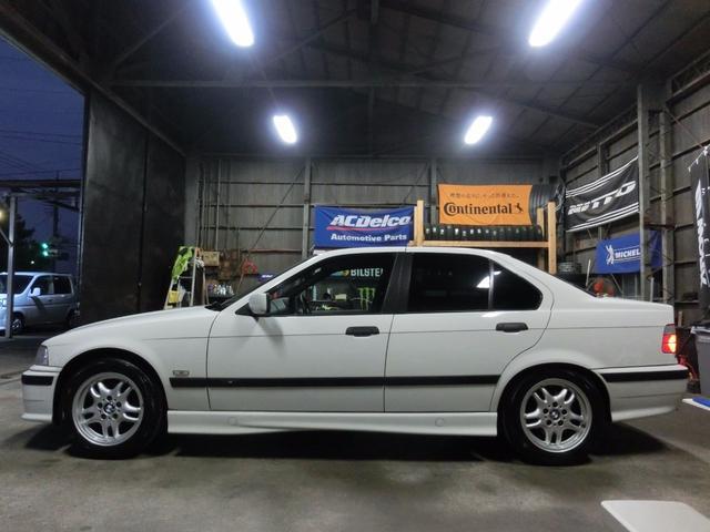 BMW BMW 320i 最終型 ワンオーナー ディーラー 右H