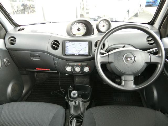 カスタム 5MT HDDナビ(カロッツェリア) 地デジ DVD(走行中視聴可) Bluetooth ミュージックサーバー ETC Wエアバッグ プライバシーガラス 電動格納ミラー タイミングチェーン車 禁煙車(11枚目)