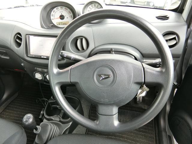 カスタム 5MT HDDナビ(カロッツェリア) 地デジ DVD(走行中視聴可) Bluetooth ミュージックサーバー ETC Wエアバッグ プライバシーガラス 電動格納ミラー タイミングチェーン車 禁煙車(18枚目)