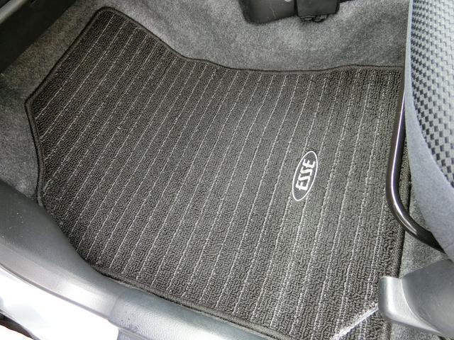 カスタム 5MT HDDナビ(カロッツェリア) 地デジ DVD(走行中視聴可) Bluetooth ミュージックサーバー ETC Wエアバッグ プライバシーガラス 電動格納ミラー タイミングチェーン車 禁煙車(38枚目)