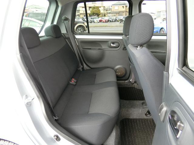 カスタム 5MT HDDナビ(カロッツェリア) 地デジ DVD(走行中視聴可) Bluetooth ミュージックサーバー ETC Wエアバッグ プライバシーガラス 電動格納ミラー タイミングチェーン車 禁煙車(39枚目)