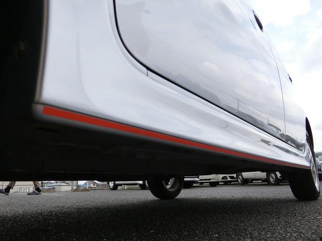 カスタム 5MT HDDナビ(カロッツェリア) 地デジ DVD(走行中視聴可) Bluetooth ミュージックサーバー ETC Wエアバッグ プライバシーガラス 電動格納ミラー タイミングチェーン車 禁煙車(74枚目)