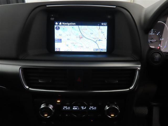 XD Lパッケージ 4WD 本革シート 衝突被害軽減システム 17インチアルミホイール フルセグナビ DVD再生 バックカメラ ミュージックプレイヤー接続可 LEDヘッドライト ワンオーナー 電動シート スマートキー(7枚目)
