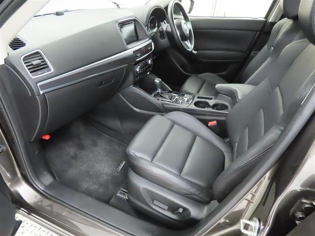 XD Lパッケージ 4WD 本革シート 衝突被害軽減システム 17インチアルミホイール フルセグナビ DVD再生 バックカメラ ミュージックプレイヤー接続可 LEDヘッドライト ワンオーナー 電動シート スマートキー(11枚目)